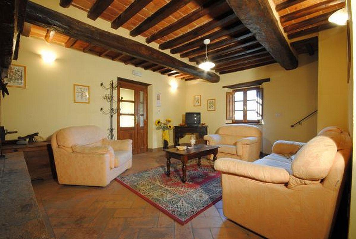 Apartments Farmhouse Agriturismo Casa Delia a Cortona in Tuscany